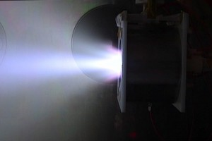 同軸スラスタ_Cylindrical type Applied field MPD thruster